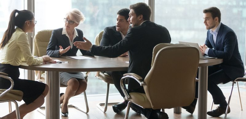 employees criticizing leader